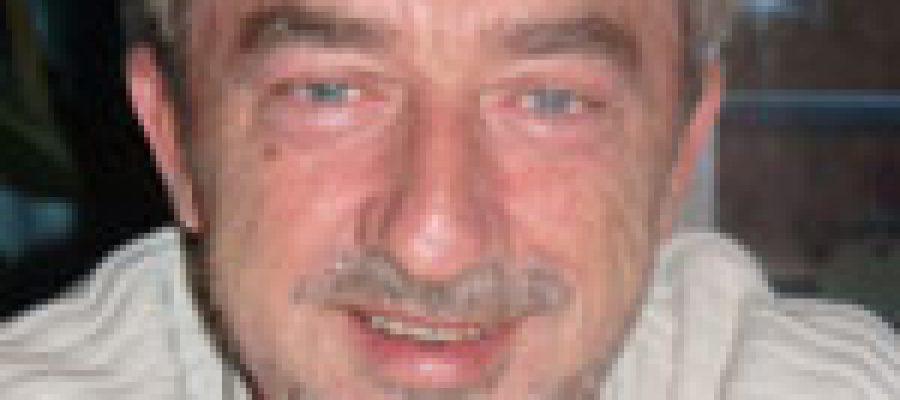 Professor Uwe Hartmann